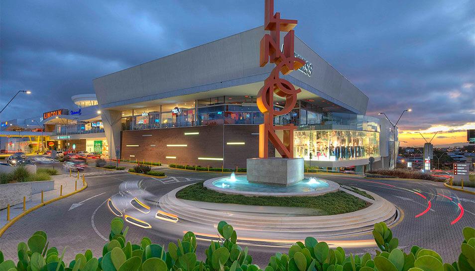 Fachada del Mall Plaza Lincoln